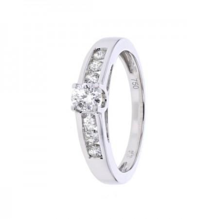 Bague solitaire diamant accompagné en or blanc 18 carats - Iliana