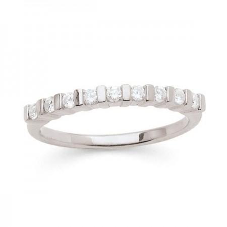 Demi-alliance diamants sertis entre barrettes  en or blanc 18 carats - Eliana