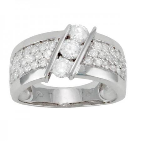 Bague trilogie de diamants pavée en or blanc 18 carats - Meredith